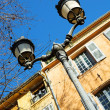 Old buildings in Antibes, France. - 图库照片