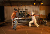 Two freestyle hip-hop dancers — Stock Photo