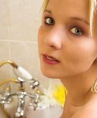 Nude woman in a bath. — Stock Photo