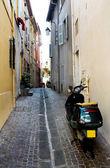 Backstreet scooter — Stock Photo