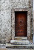 Door of a building in Antibes, France — Stock Photo