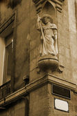 Statue on a building in Aix-en-provence, France — Stock Photo