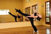 Kadın dansçı — Stok fotoğraf
