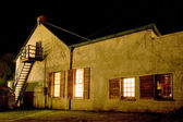 Old farm house converted into a small hotel, Night Scene - Colesberg, South Africa — Stock Photo