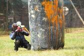 Paintball spelare på en extrem airball fältet — Stockfoto