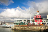 The Nelson Mandela Gateway to Robben Island and Clocktower at the Cape town Waterfront in South Africa — Stock Photo