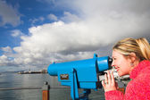 Coin operated view finder or telescope at the Cape Town Waterfront and port area — Stock Photo