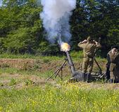 Disparo de mortero de 120 mm — Foto de Stock
