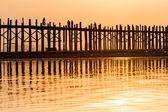 Zonsondergang op de u bein brug, myanmar — Stockfoto