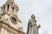 St Pauls cathedral in London — Stock Photo