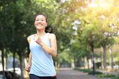 žena běžec — Stock fotografie