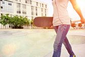 Skateboarder am skatepark — Stock fotografie