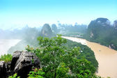 Ruta de senderismo en el parque nacional de jiuzhaigou — Foto de Stock