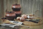 Kitchens still life with pots, garlic and allspice — Fotografia Stock