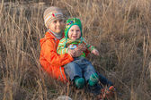 Två leende små bröder — Stockfoto