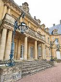 Entrance of Dree castle and fountain, Curbigny, Bourgogne — Stock Photo