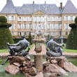 Viewscape of Dree castle and fountain, Curbigny, Bourgogne, France - Stockfoto