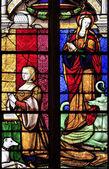 Het glasraam van margarete en st Margaretha van Antiochië in kerk van brou in bourg-en-bresse — Stockfoto