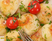 Fried potatoes with herbs — Stock Photo