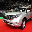 Постер, плакат: NONTHABURI NOVEMBER 28: Toyota Land Cruiser Prado car on displ