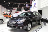 BANGKOK - MARCH 25 : Subaru Outback 2.5i car on display at The 3 — Stock Photo