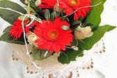 Rosas con gerbera — Foto de Stock