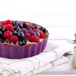 Blueberry and raspberry tart — Stock Photo #22528177