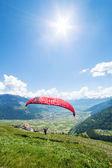 Yamaçparaşütü dağları — Stok fotoğraf