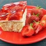 Strawberry cake — Stock Photo