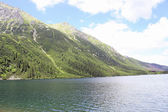 Mountain lake Morskie oko in Tatra mountains in Poland — Stock Photo