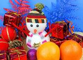 Ozdoby świąteczne i pomarańcze — Zdjęcie stockowe