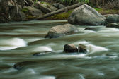 Flowing Yanuncay in Cuenca, Ecuador — Stock Photo