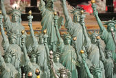 Many miniature statues of liberty together — Stock Photo