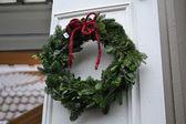 Vánoční věnec na tradiční vánoční jarmark v sigtuna — Stock fotografie