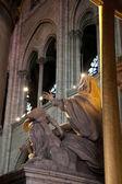 Statue in Notre Dame — Stock Photo