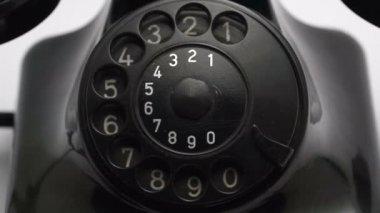 Oude vintage zwart retro telefoon met geluid — Stockvideo