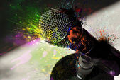 Microphone and burst of color — Foto de Stock