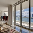 Modern Apartment with Ocean View - 图库照片
