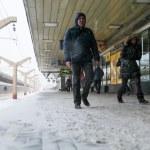 Passengers in Leningradsky Station — Stock Photo