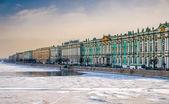 вид санкт-петербурга и река нева — Стоковое фото
