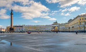 Palace Square with the Alexander Column — Stock Photo