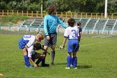 Drei junge fußballer — Stockfoto