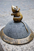 Sculpture of mouse — Stock Photo