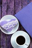 Diario, una taza de café y el corazón hecho a mano — Foto de Stock