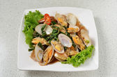 STIR FRIED CLAMS WITH BASIL — Stock Photo