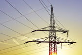 Elektrische hoogspanningslijnen — Stockfoto