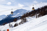 Two Cable Cars above Ski Slope — Foto de Stock