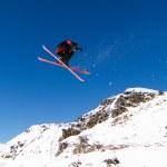 Skier doing big air — Stock Photo