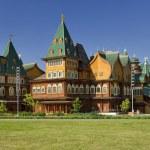 Wooden palace of Tsar Alexei Mikhailovich in Kolomenskoye (reconstruction) — Stock Photo #24846563