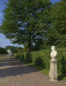 Walkway to the large stone greenhouse Estate Kuskovo — Stock Photo